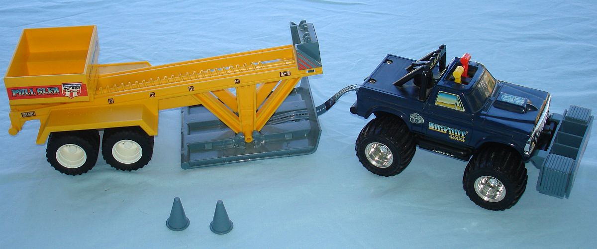 Vintage Playskool Made In Hong Kong 4X4X4 Battery Operated 460 Powered Bigfoot Monster Truck & Sled Cones