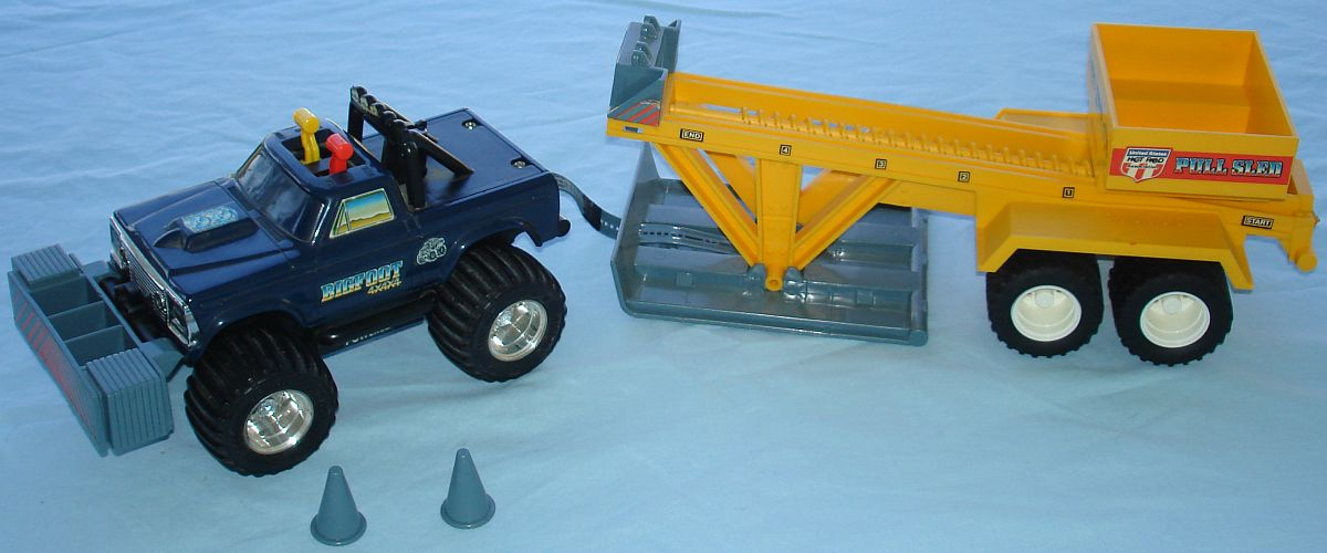 Vintage Playskool Made In Hong Kong 4X4X4 Battery Operated 460 Powered Bigfoot Monster Truck & Sled Hood