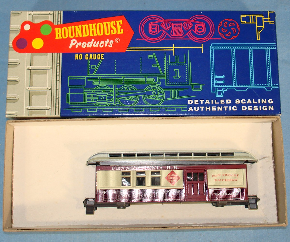 Roundhouse Products Model Die Cast Overton Combine Train Car Kit #3726