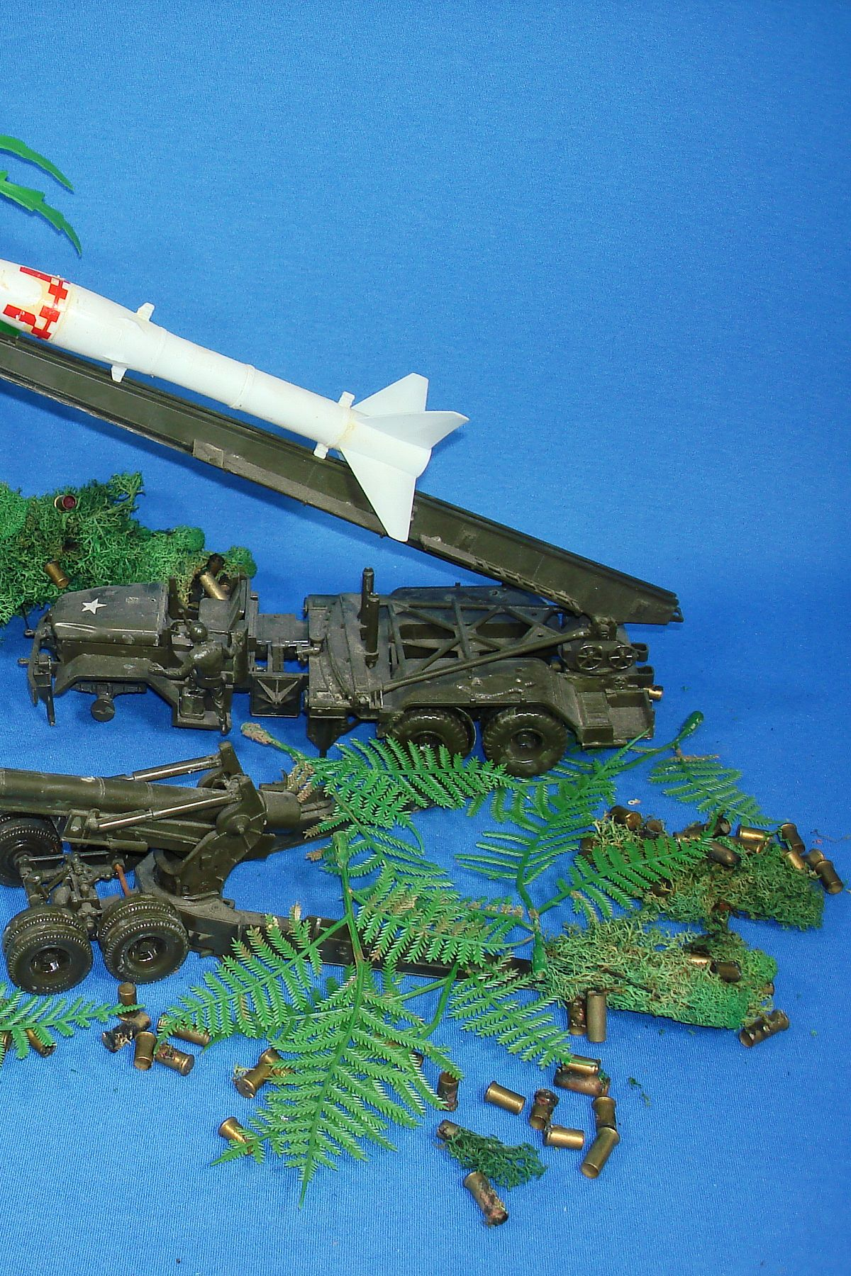 Vintage Adams Operational Missile Support Plastic Action Model Kit Honest John Rocket Launcher