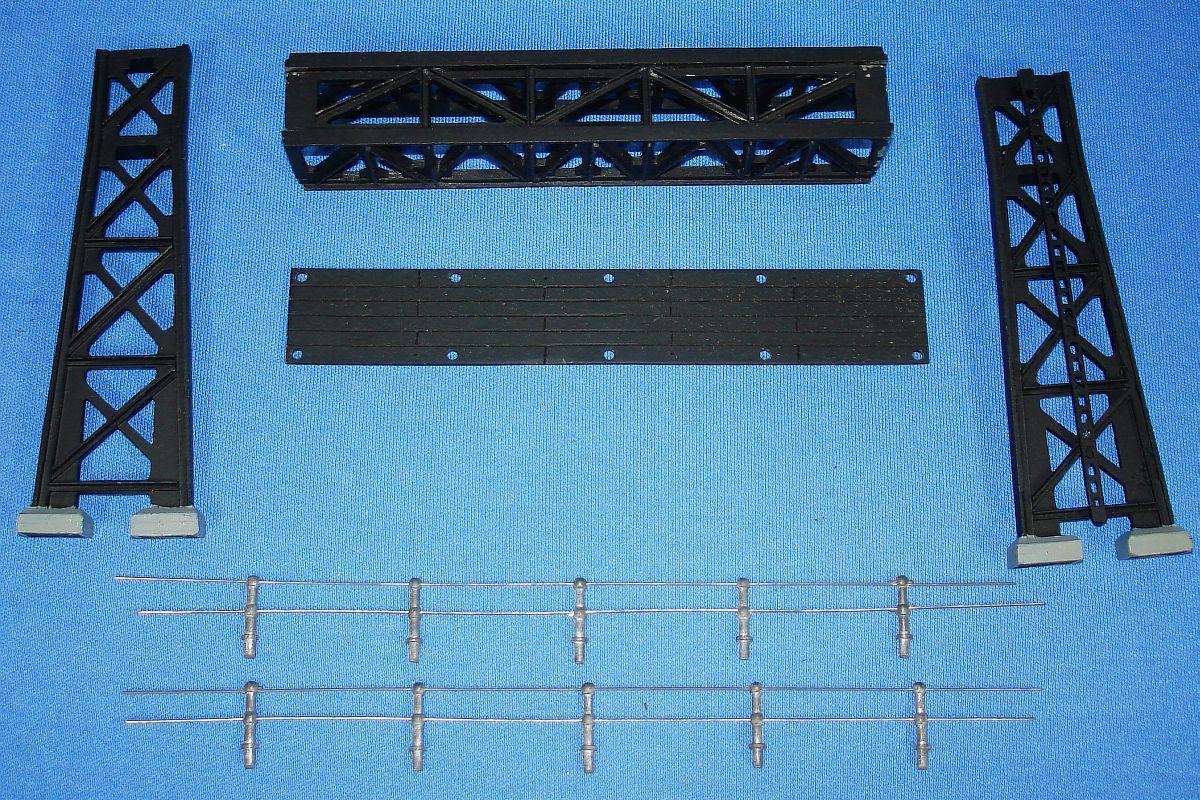 Vintage HO Gauge Comet Metal Products Authenticast Railroad Signal Bridge SB-1 Uprights Stanchions Railings