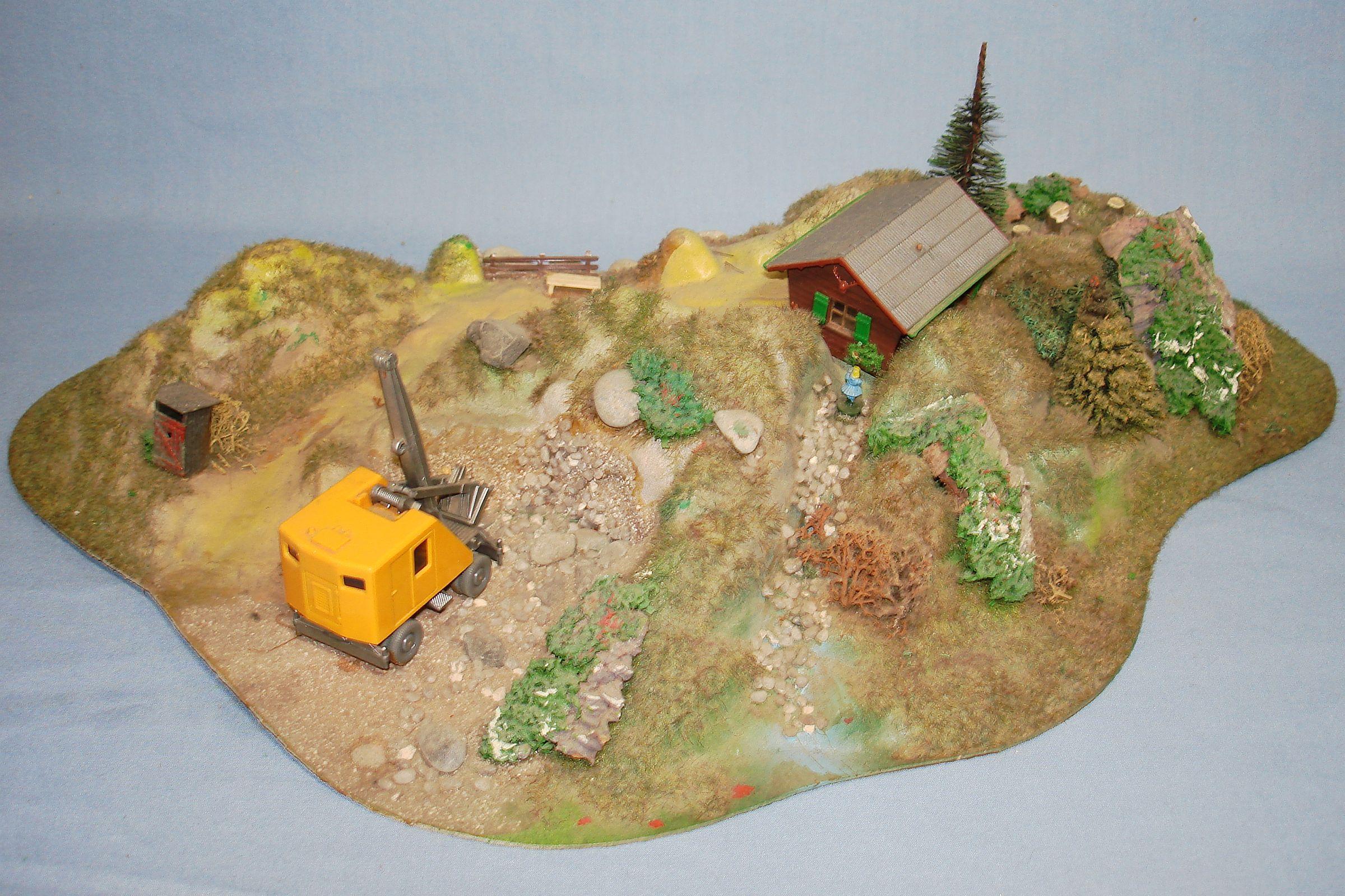 Vintage HO Gauge Mountain Kit Wiking Steam Shovel Quarry Site Building Trees Shrubs