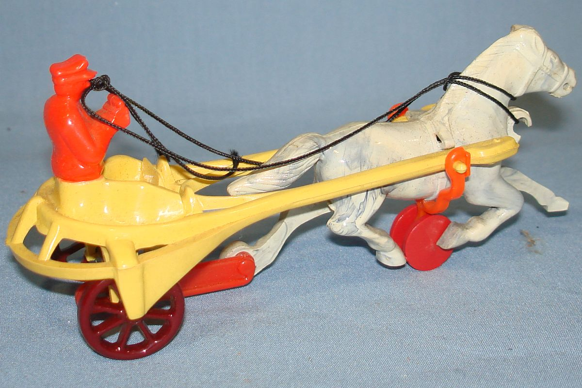 Vintage Hardy Racing Sulky Plastic Action Toy #20 Red Driver Yellow Buggy