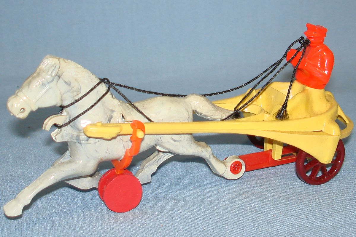 Vintage Hardy Racing Sulky Plastic Action Toy #20 White Marbled Horse