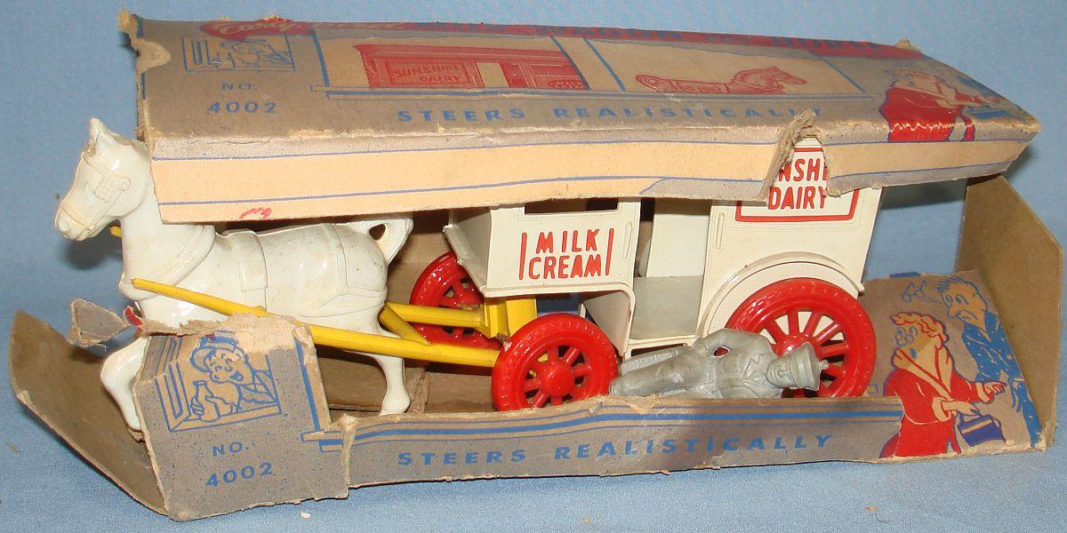 Vintage Wyandotte Milk Wagon & Horse Plastic Toy Cardboard Box #4002