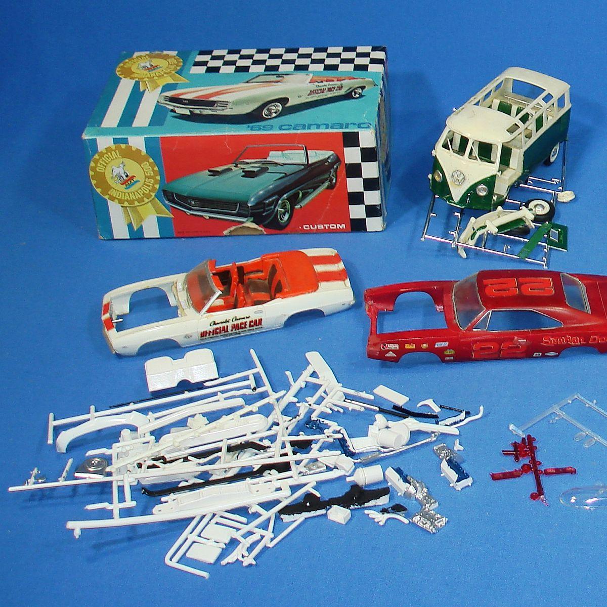 Gasser Plastic Models Revell Plastic Model Kit