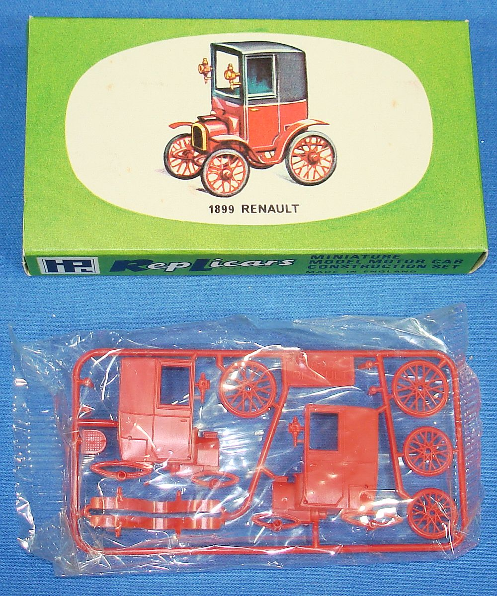 Harbutt`s Replicars Miniature Model Motor Car Construction Set Plastic Model Kit 1899 Renault