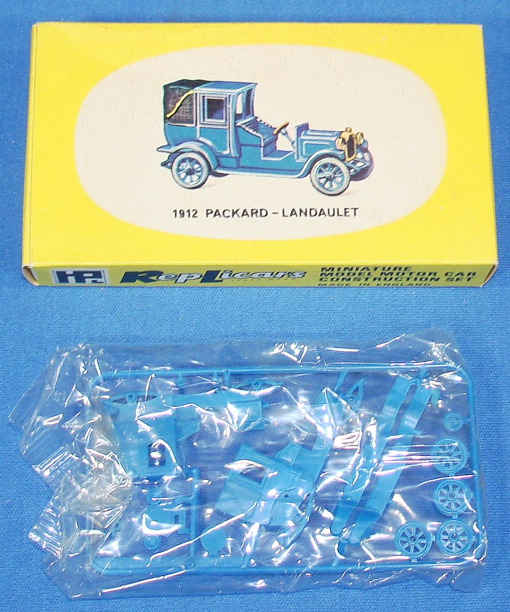 Harbutt`s Replicars Miniature Model Motor Car Construction Set Plastic Model Kit 1912 Packard Landaulet