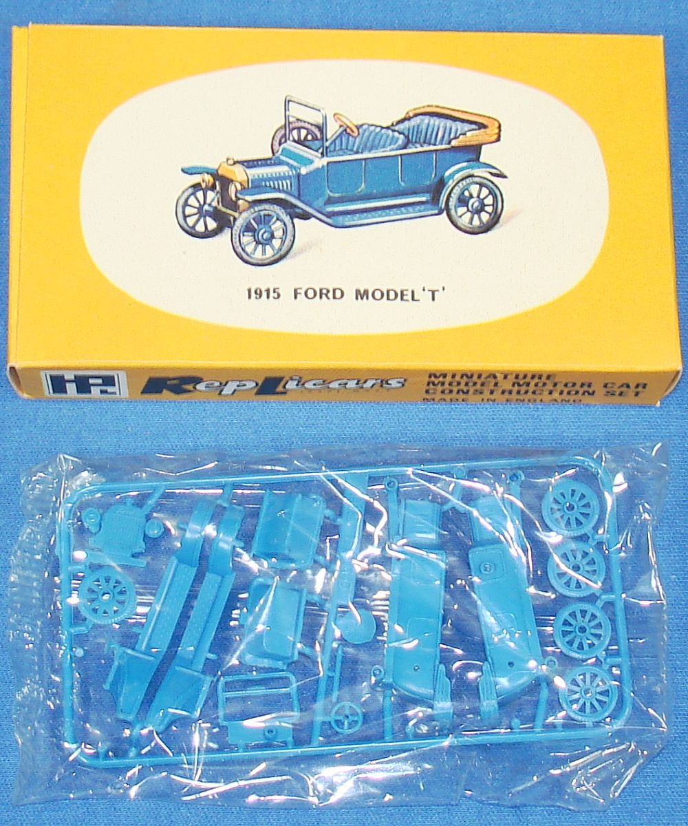 Harbutt`s Replicars Miniature Model Motor Car Construction Set Plastic Model Kit 1915 Ford Model T