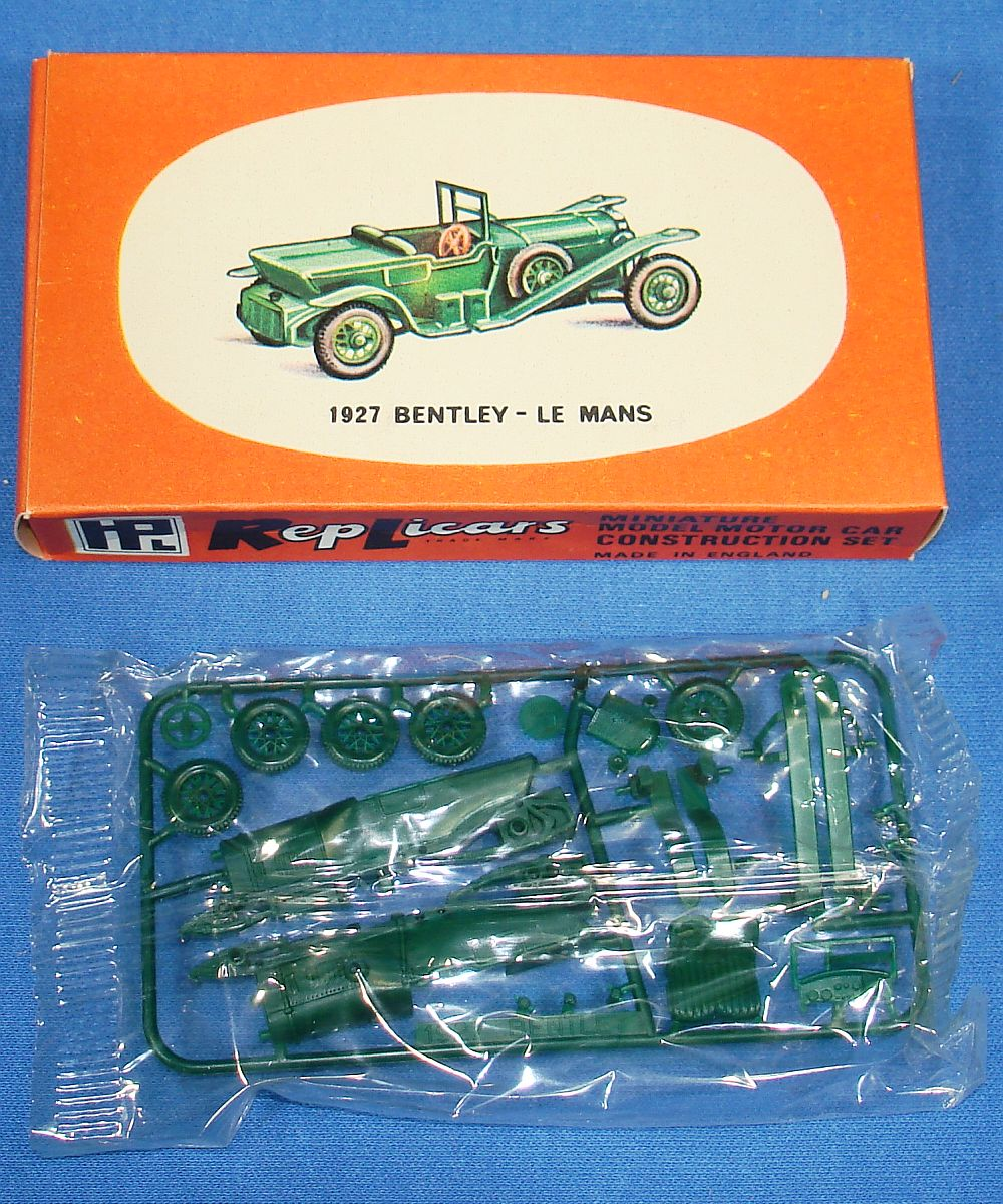 Harbutt`s Replicars Miniature Model Motor Car Construction Set Plastic Model Kit 1927 Bentley Le Mans
