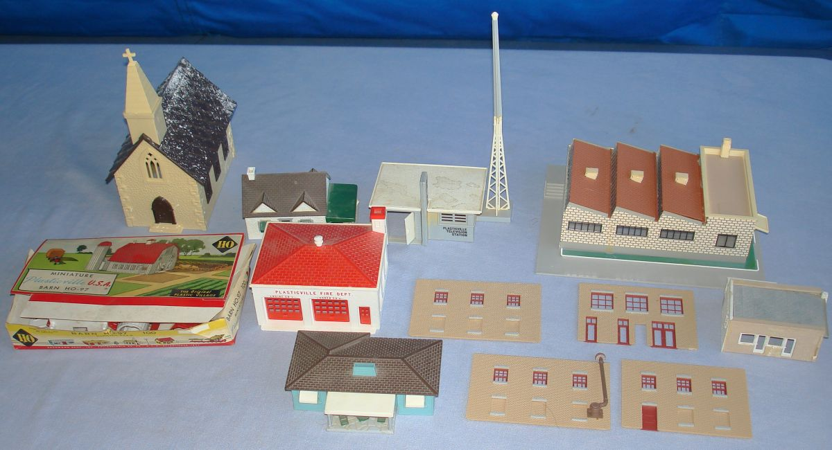 Plasticville Vintage HO Gauge Layout Building Lot