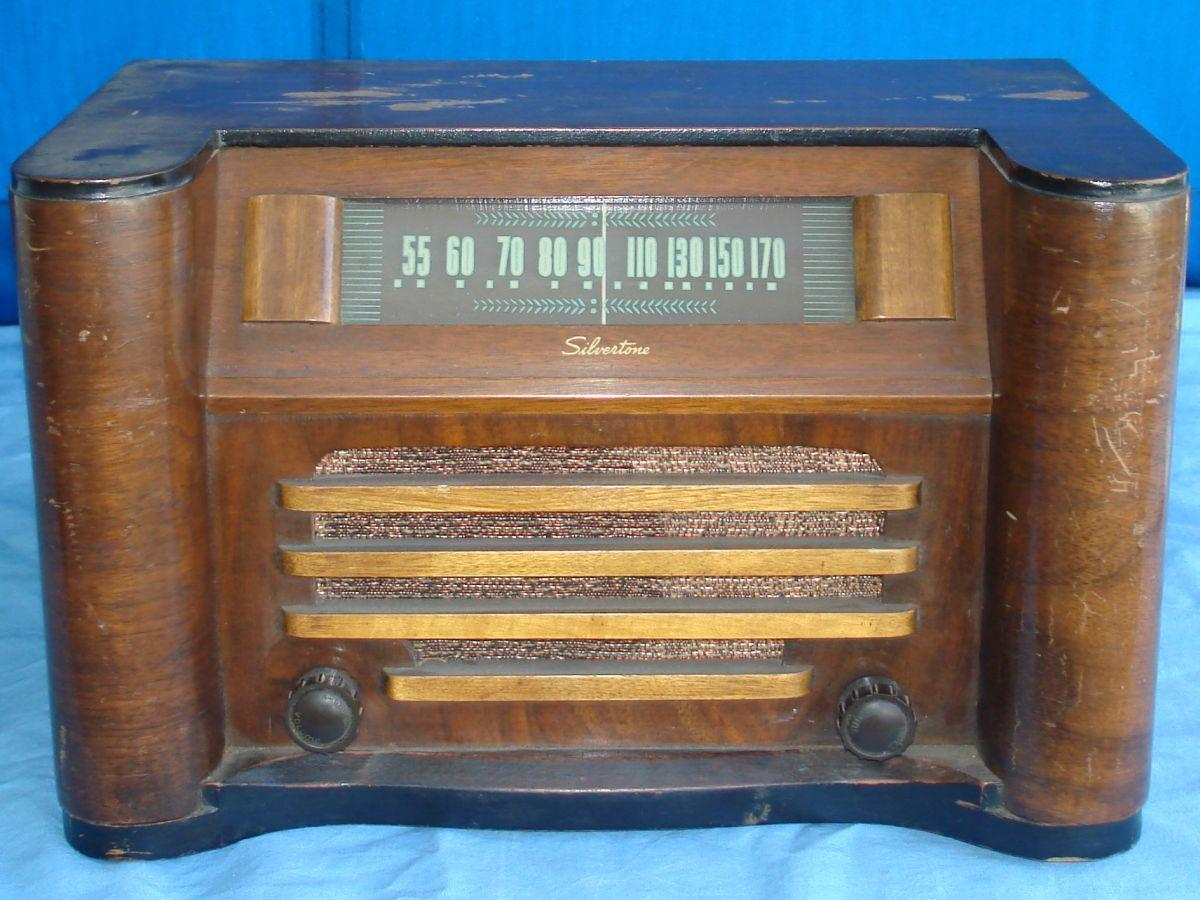 Vintage Sears Roebuck Silvertone Wood Cabinet Tube Table Radio