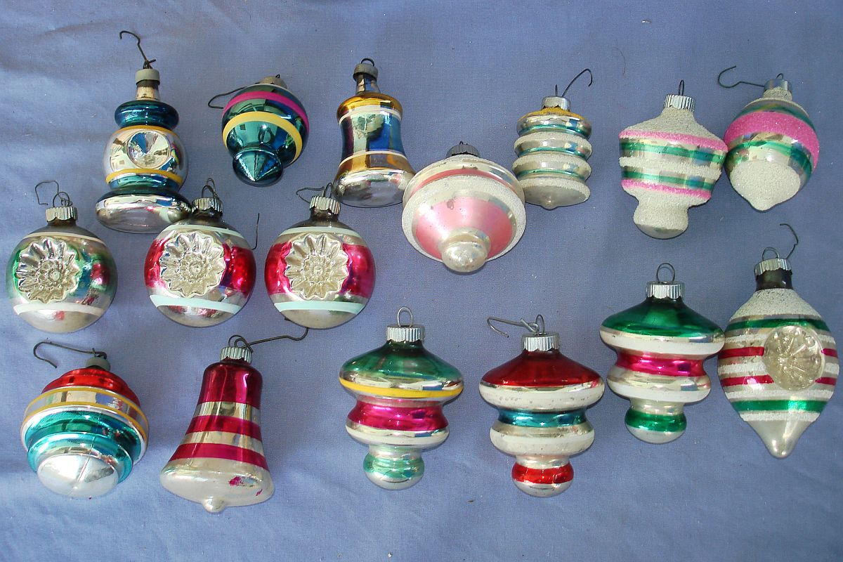 Vintage christmas tree glass ornament lot shiny bright Vintage glass christmas tree ornaments