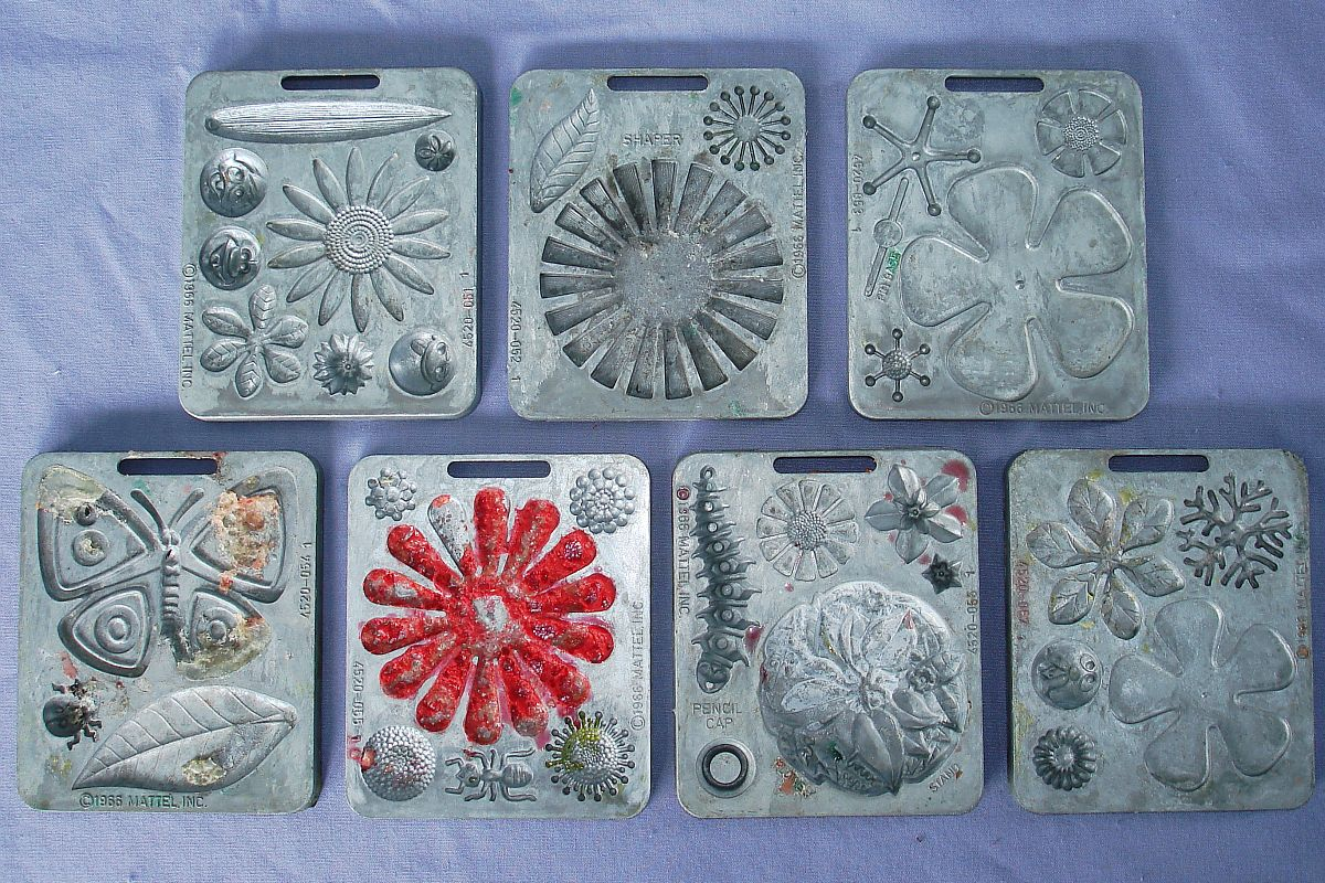 1966 Vintage Mattel Thingmaker Toy 7 Molds 36 Cavities
