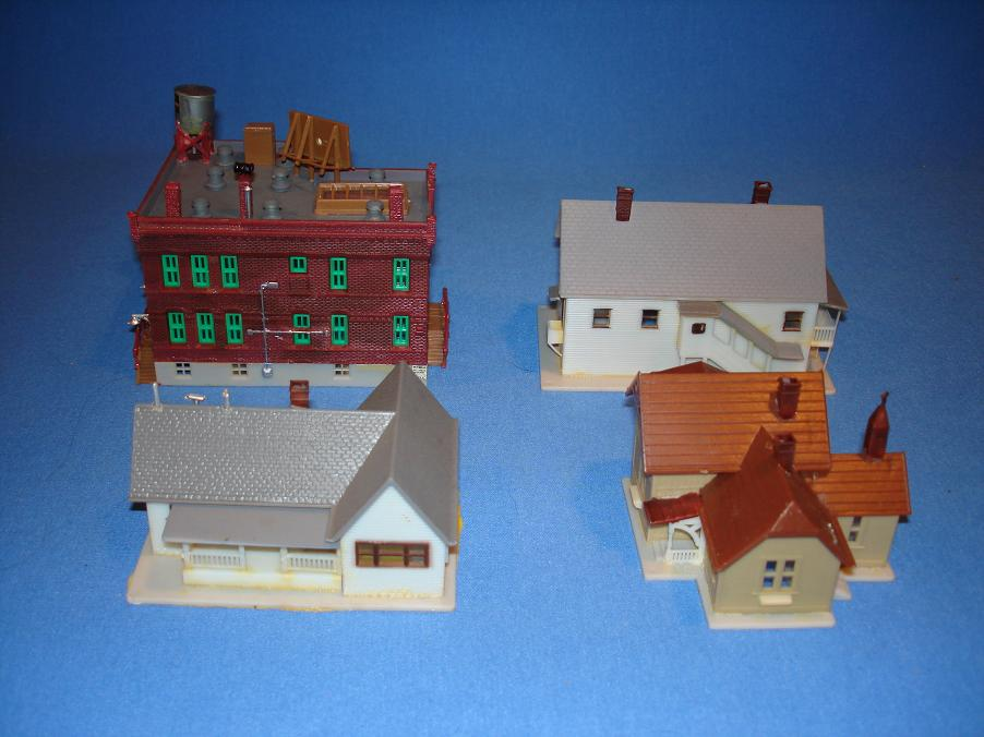 AHM N Scale Model Train Buildings