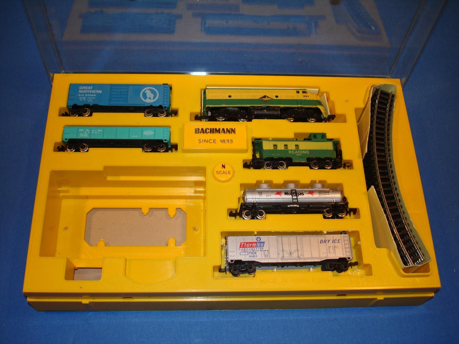 Bachmann N Gauge Train Set Diesel 4311:2000