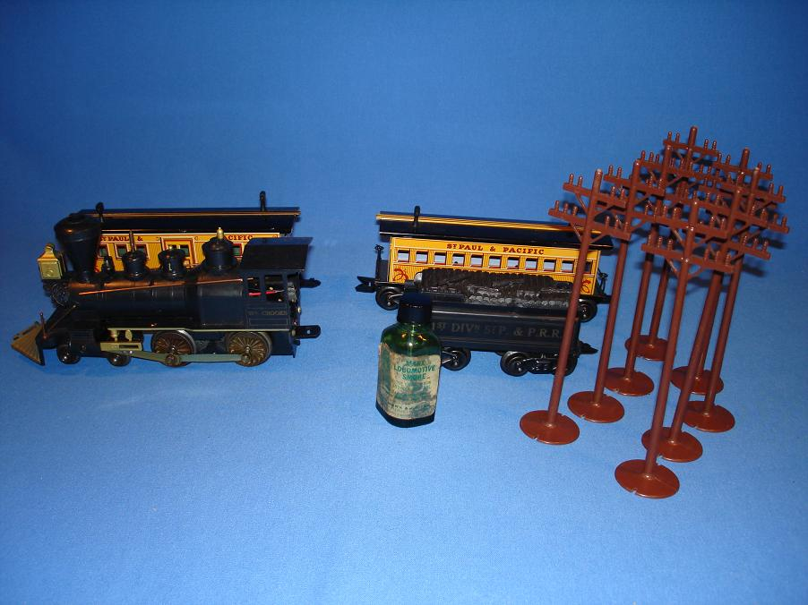 Louis Marx Electric Train Set 54745 Steam Locomotive Coal Tender Passenger Cars Liquid Smoke Telephone Poles