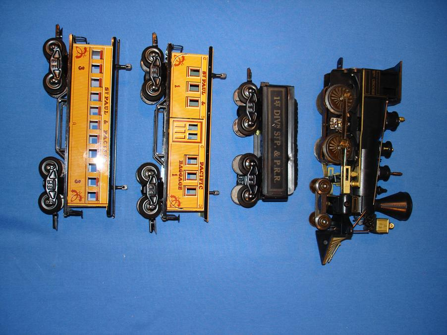 Louis Marx Electric Train Set 54745 Locomotive Coal Tender Passenger Cars