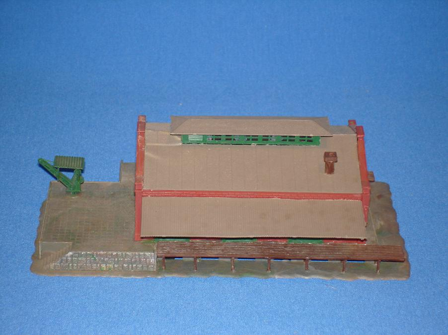 Pola N Gauge Train Freight Station