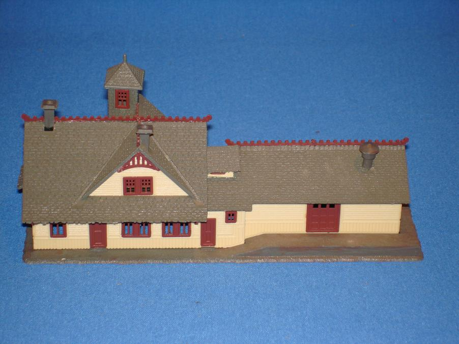 Pola N Gauge Train Station