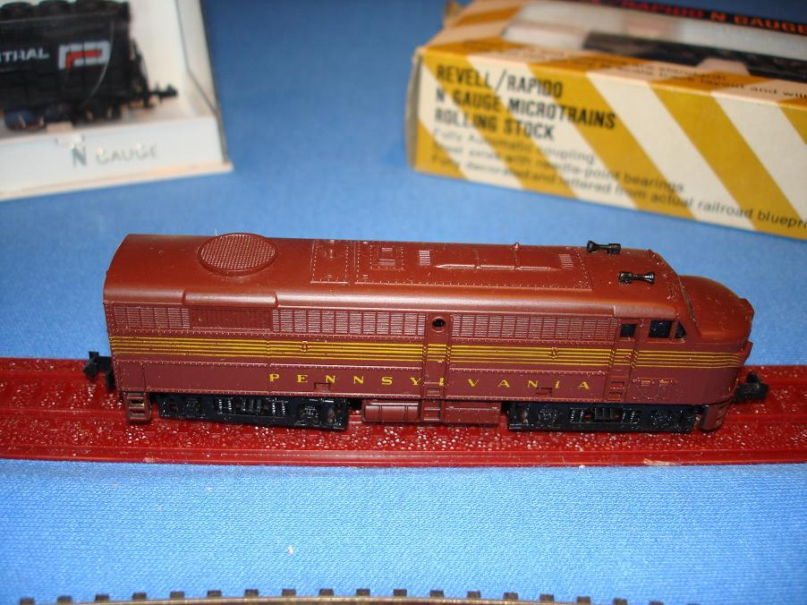 MRC N Gauge Pennsylvania Train Engine