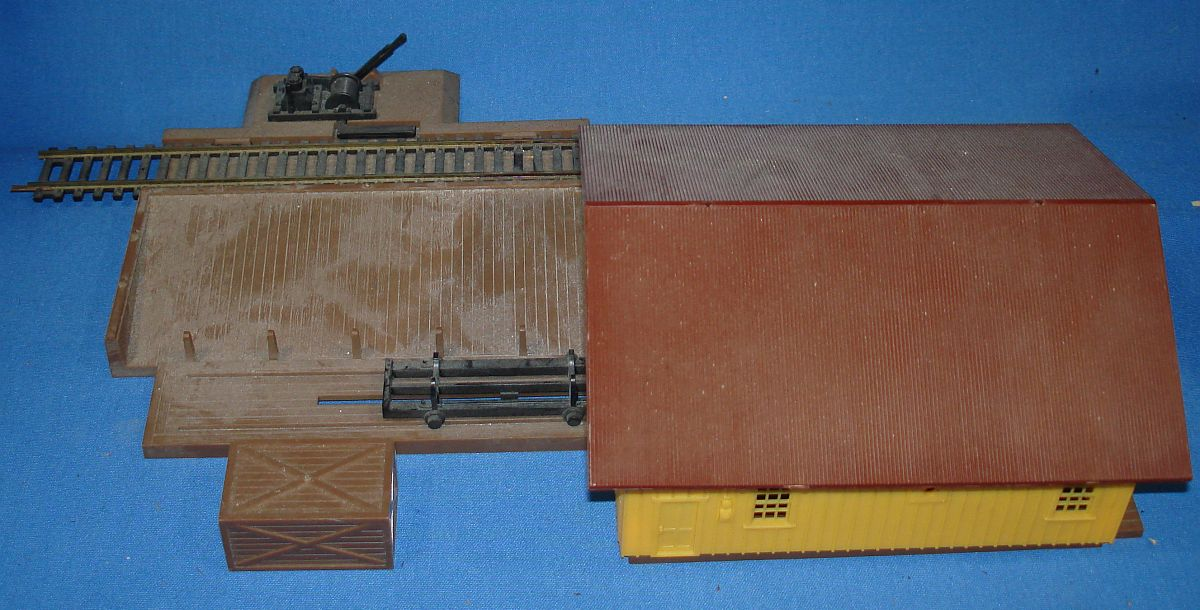 AHM HO Model Railroading Train Track Building