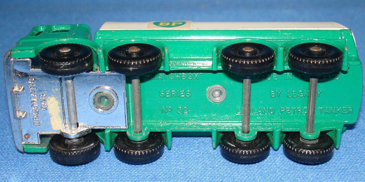 Vintage Matchbox Lesney 32 Leyland Petrol Tanker Truck Axles Tires