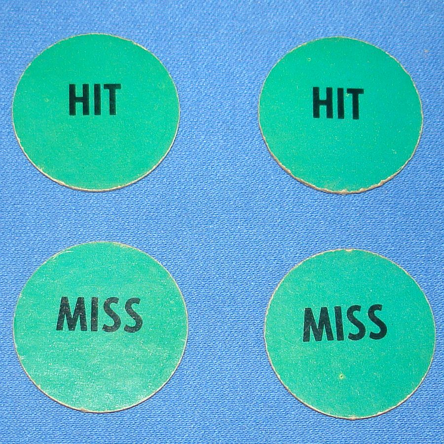 Milton Bradley MB #4032 American Heritage Dogfight Green Anti Aircraft Gun HIT MISS Discs