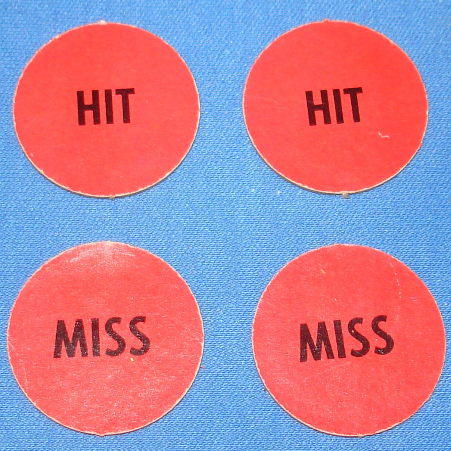 Milton Bradley MB #4032 American Heritage Dogfight Red Anti Aircraft Gun HIT MISS Discs