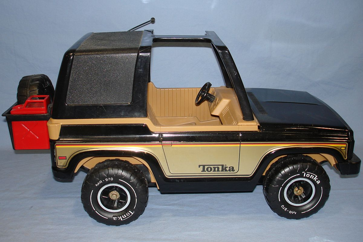 Vintage 1970s Pressed Steel Tonka Black Jeep MR 970 Passenger