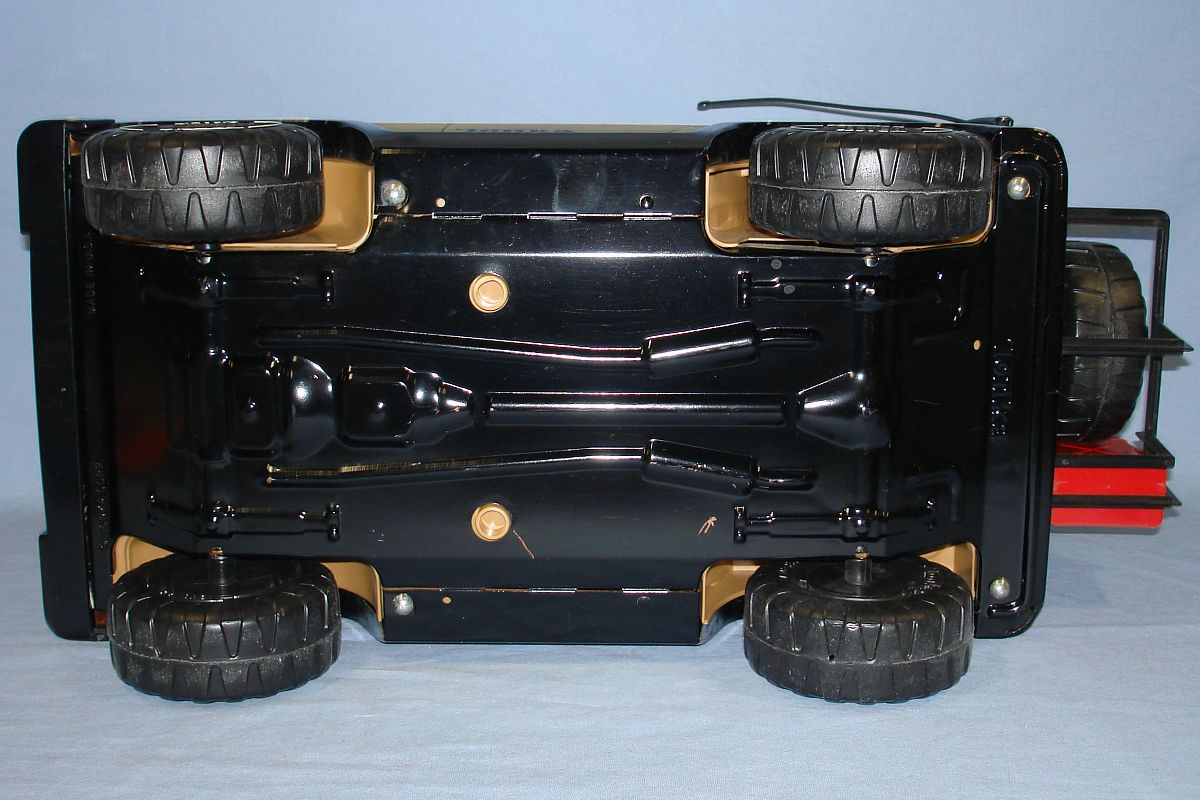 Vintage 1970s Pressed Steel Tonka Black Jeep MR 970 Chassis Wheels