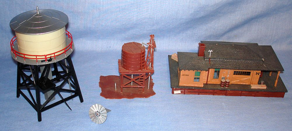 Unknown HO Scale Model Train Railroad Track Layout Scenery Buildings