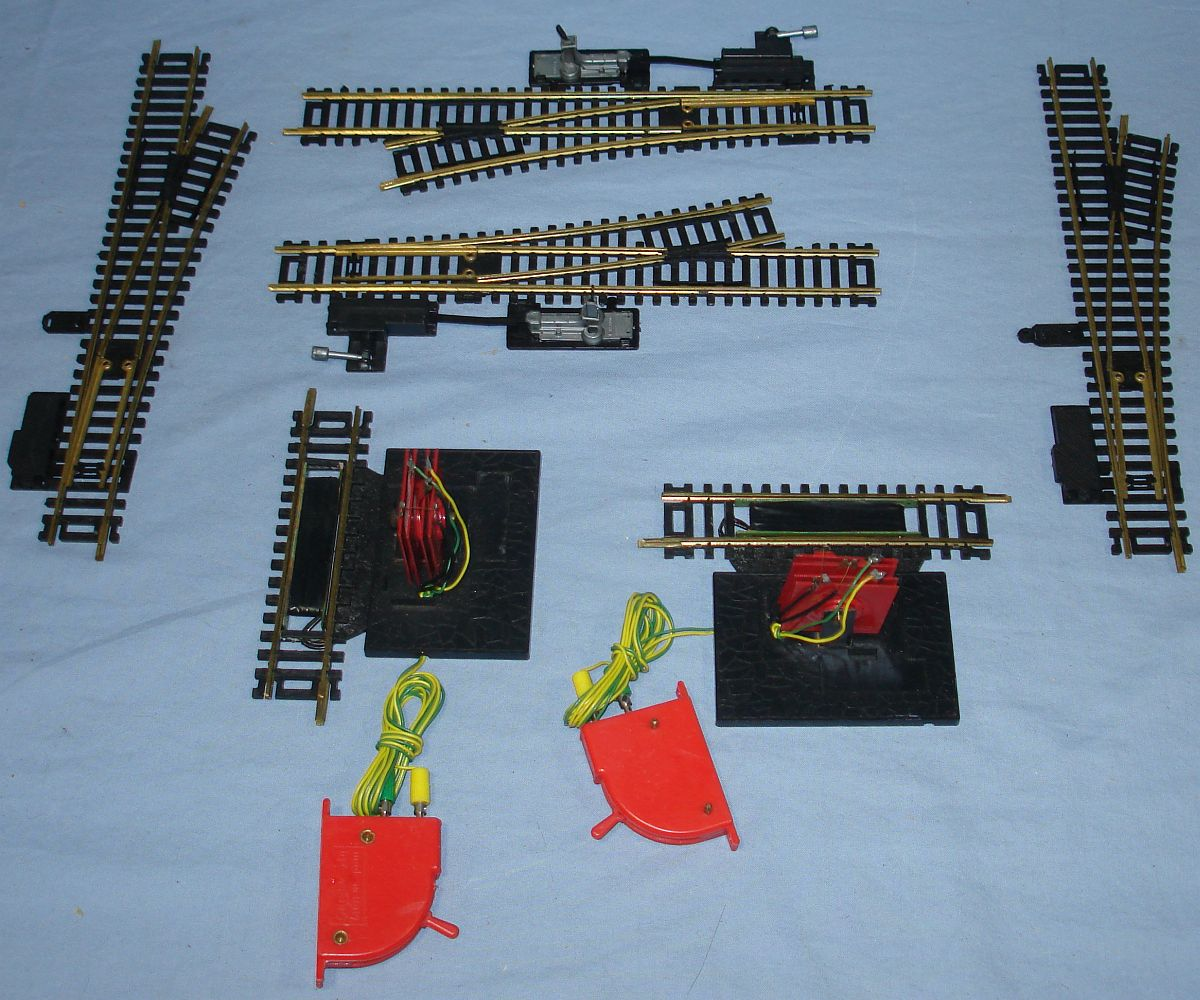 HO Gauge Casadio Model Railroad Train Track Manual & Remote Switches Uncouplers