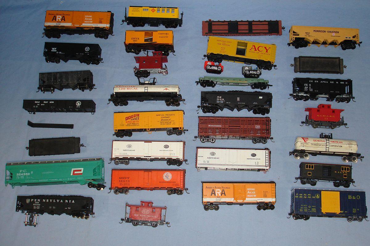 Ho train cars for sale