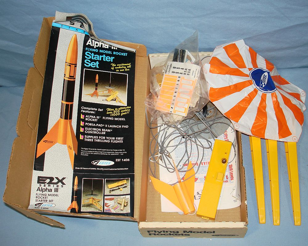 Estes Industries Alpha III Flying Model Rocket Starter Set EST1406 Contents