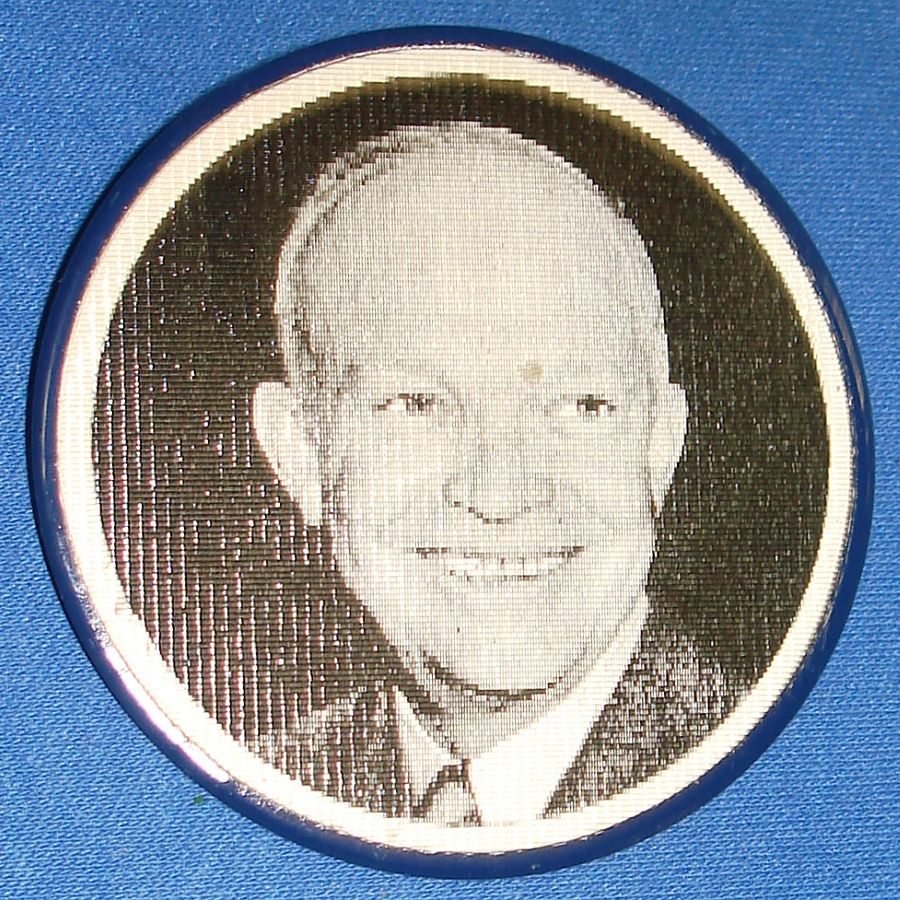 Vintage Dwight David Eisenhower Presidential Political Flasher Pin Smiling Face
