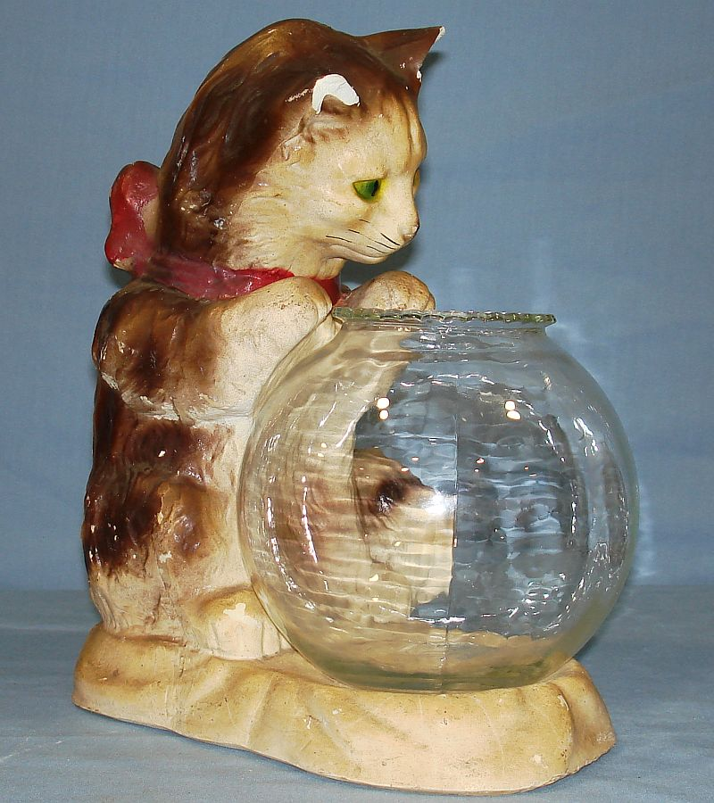 Vintage chalkware kitty cat overlooking clear glass fish for Fish bowl toy