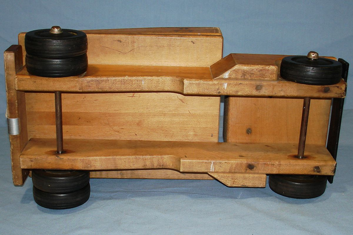 Vintage 1960`s Community Rifton NY Wood Tow Truck Axles Wheels