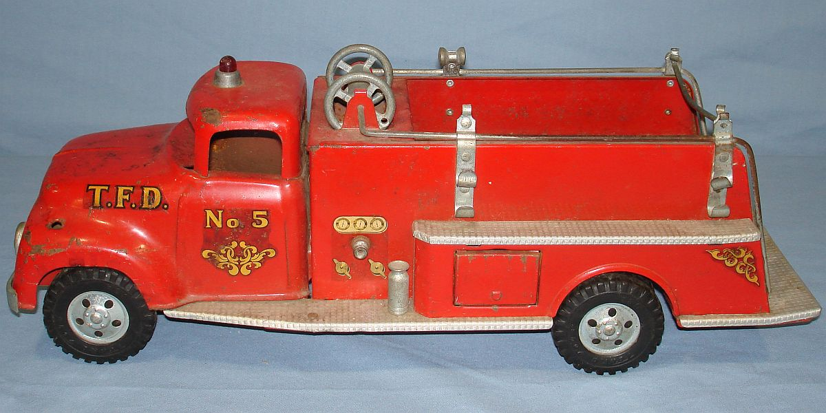Vintage Tonka Fire Department Suburban Pumper #950 Pressed Steel Truck
