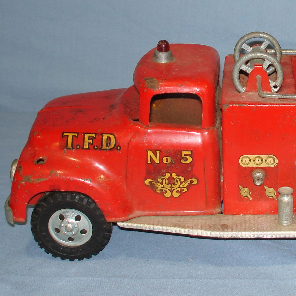 Vintage Tonka Fire Department Suburban Pumper #950 Pressed Steel Truck Cab