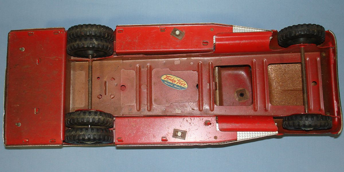 Vintage Tonka Fire Department Suburban Pumper #950 Pressed Steel Truck Chassis