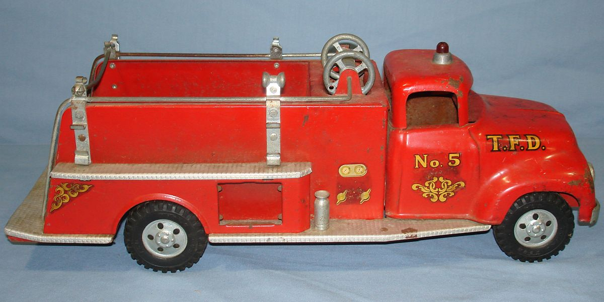 Vintage Tonka Fire Department Suburban Pumper #950 Pressed Steel Truck Number 5