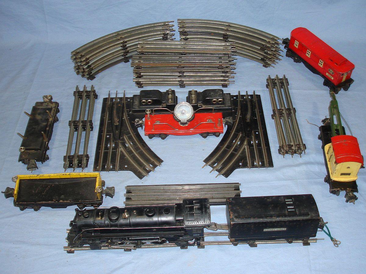 Vintage Lionel Train 24