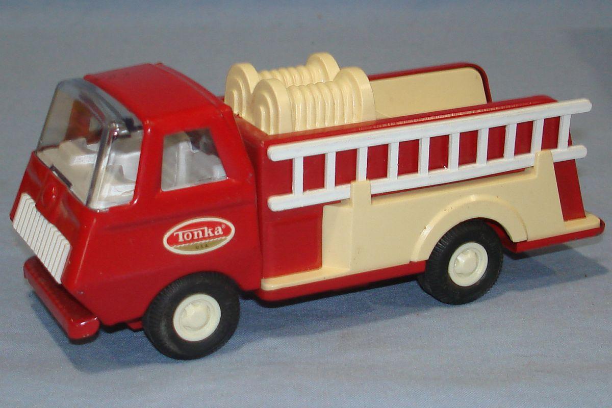 Vintage Mini Tonka Red Fire Engine Pumper #595 Windshield Ladder