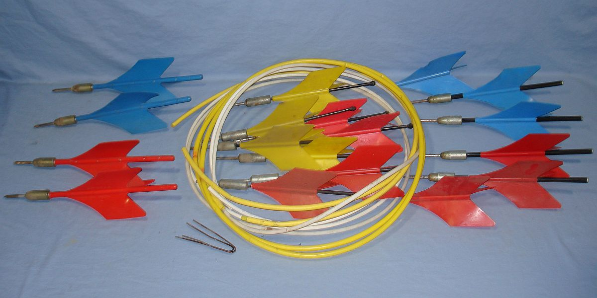Vintage Lawn Jarts Yellow Blue Red Plastic Flights Metal Tips Target Rings