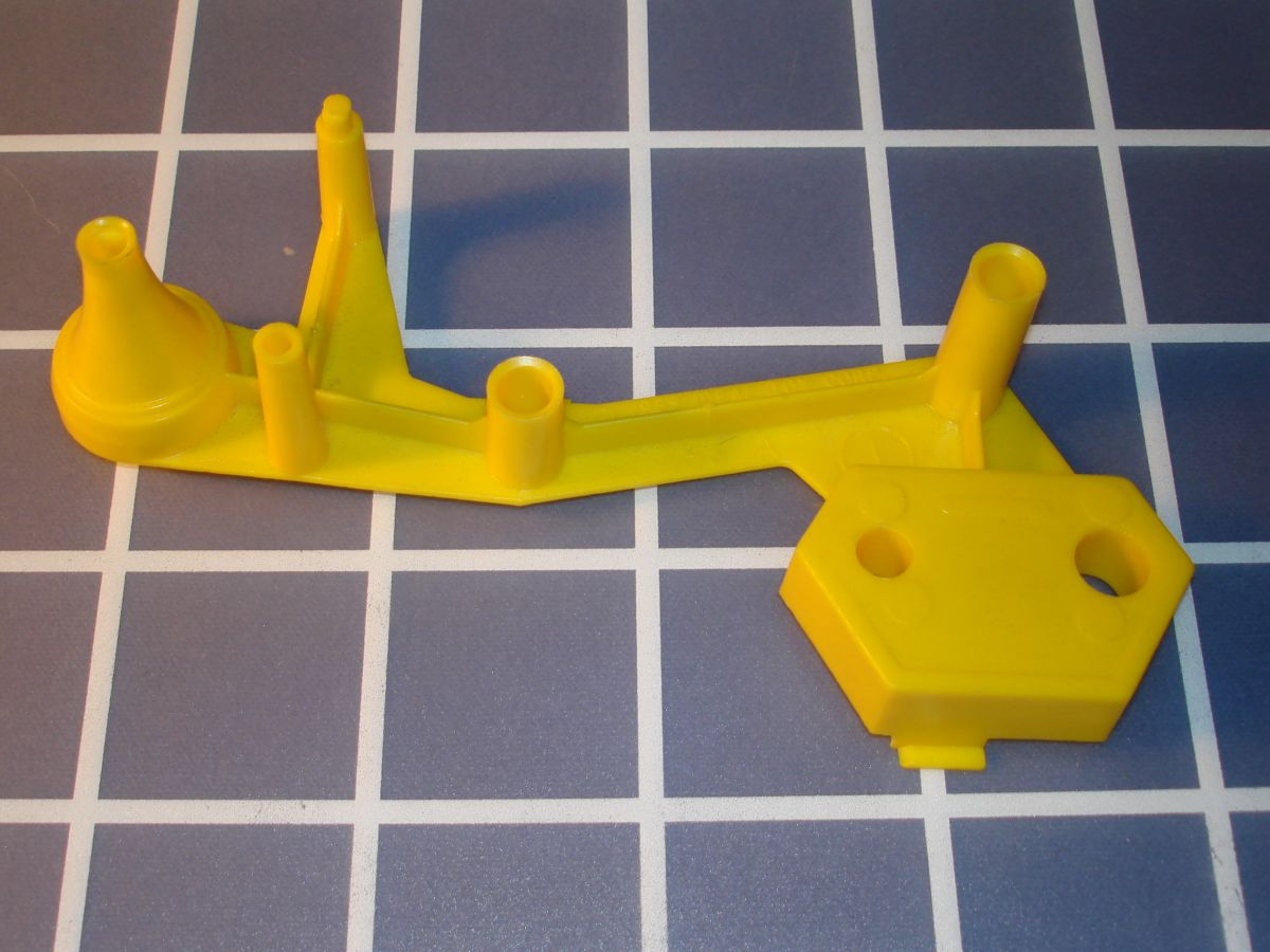 Ideal Mouse Trap Game Piece Yellow Base A