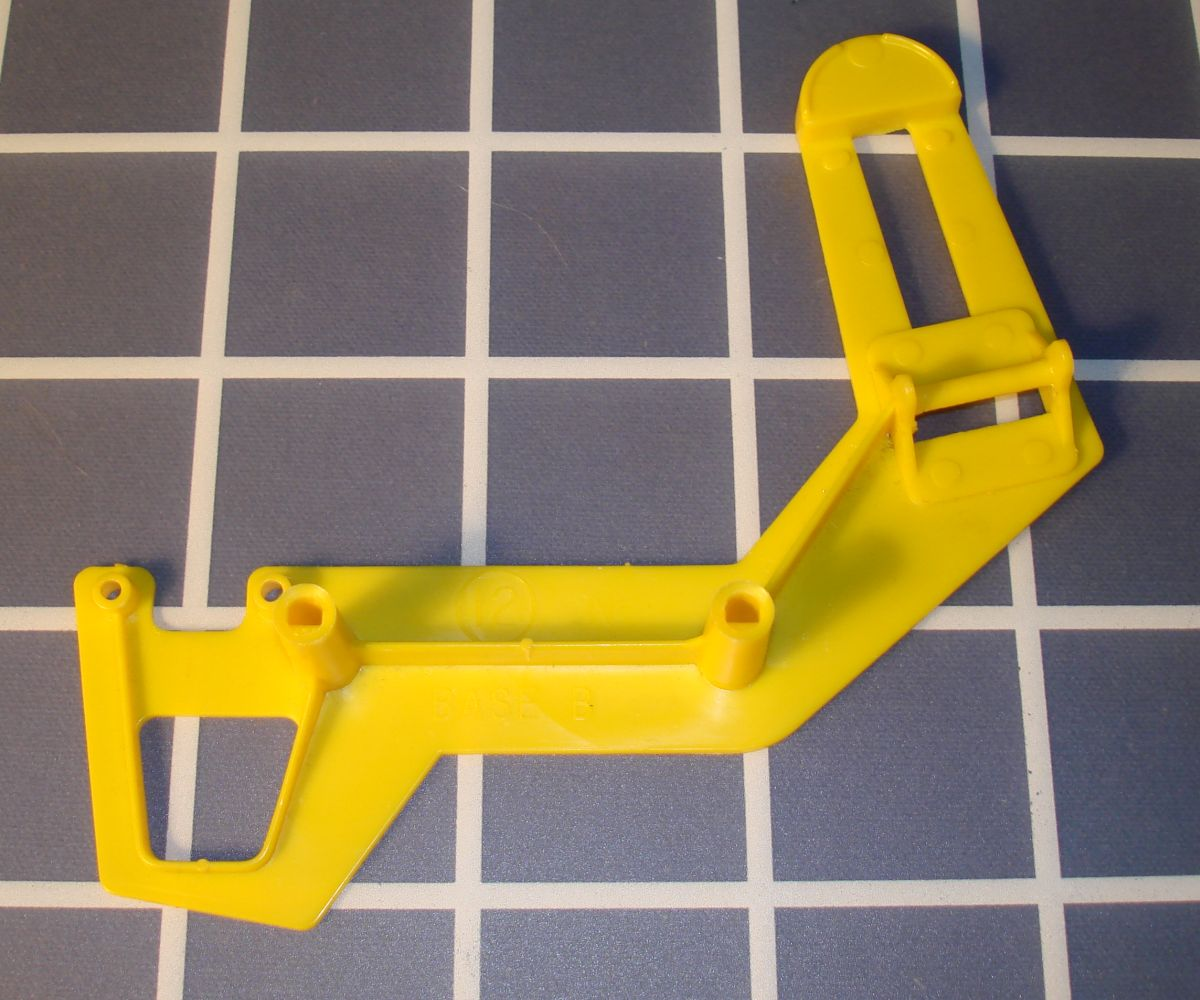 Ideal Mouse Trap Game Piece Yellow Base B