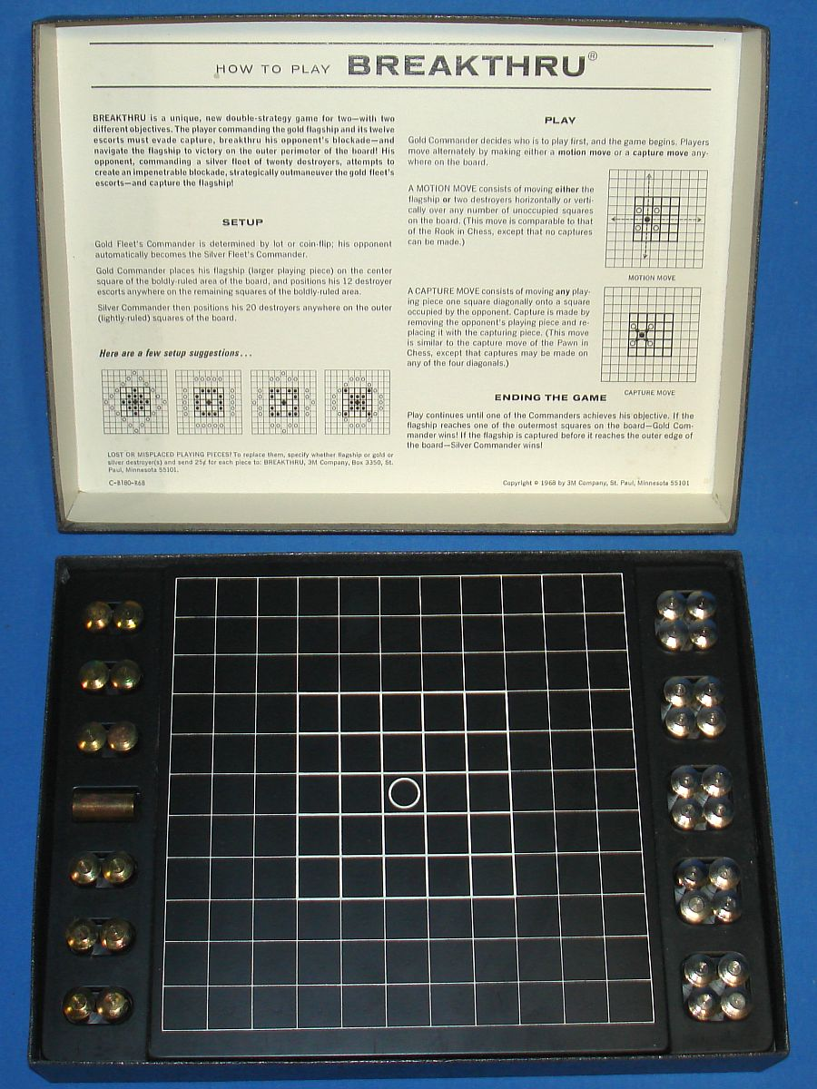 Vintage 3M Bookshelf Board Game Evasion Or Capture Breakthru Contents Gold & Silver Playing Pieces