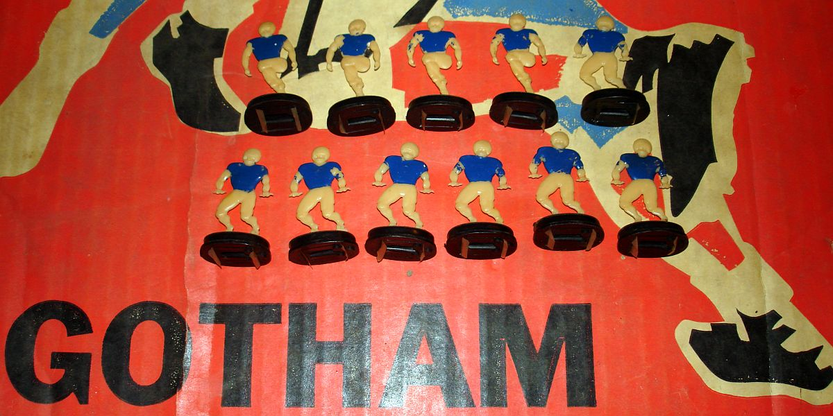 Vintage Gotham Pressed Steel Corporation Electric Football Game G880 Team Bases Cream Players