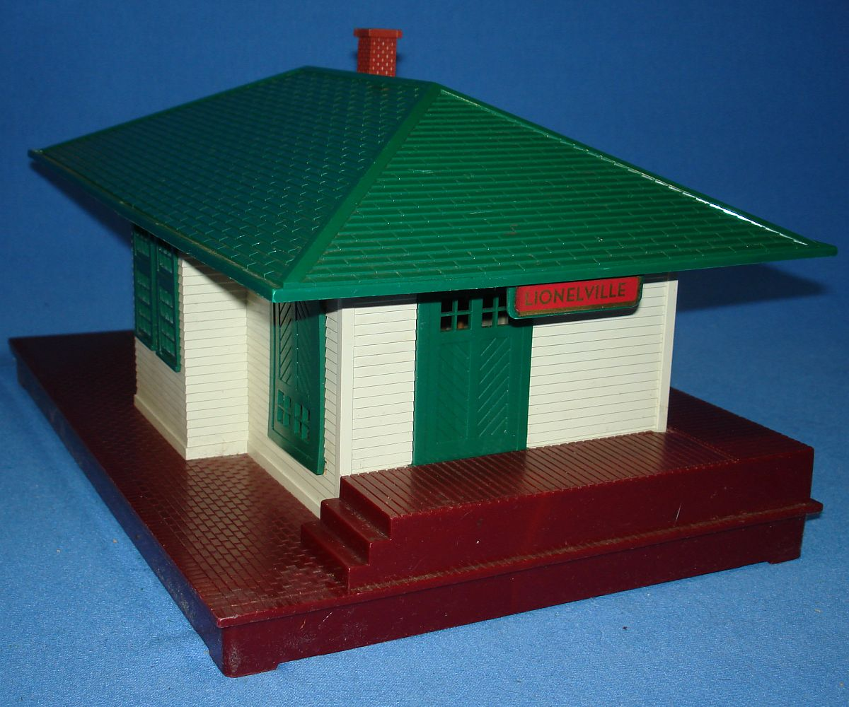 Vintage Lionel Corporation White Green Brown Lionelville Illuminated Train Station #132 Sign
